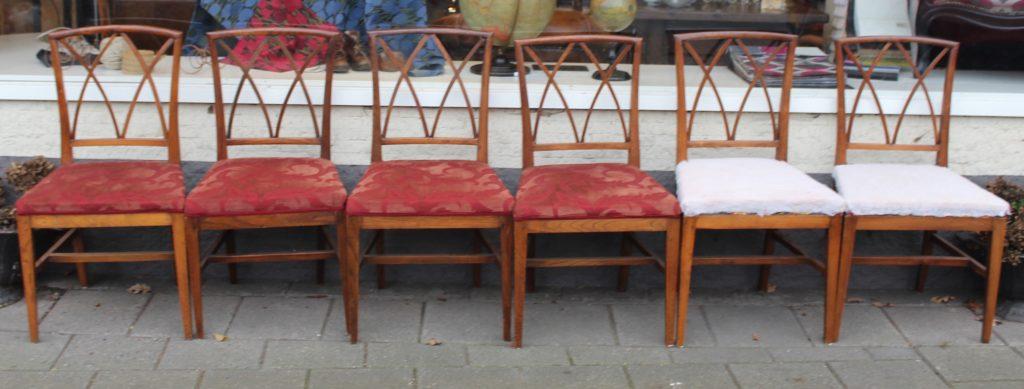Een set van zes mahonie stoelen