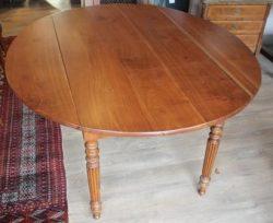 Kersenhouten antieke tafel – verkocht
