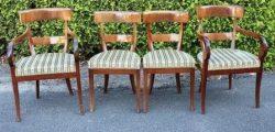 Een set van vier mahoniehouten Biedermeier stoelen