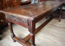 Antieke eiken tafel ca 1700 met traverse
