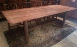 Oude kersenhouten tafel (in restauratie)