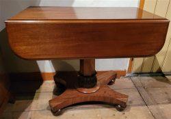 Pembroke tafel